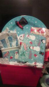 CHRISTMAS SNOWMAN GIFT BASKET
