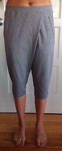 LULULEMON Size 6 Retreat Yogi Crop pants Heathered gray yoga NWOT Flow Om Studio